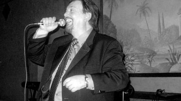 Ünlü şarkıcı Adiss Harmandian hayatını kaybetti
