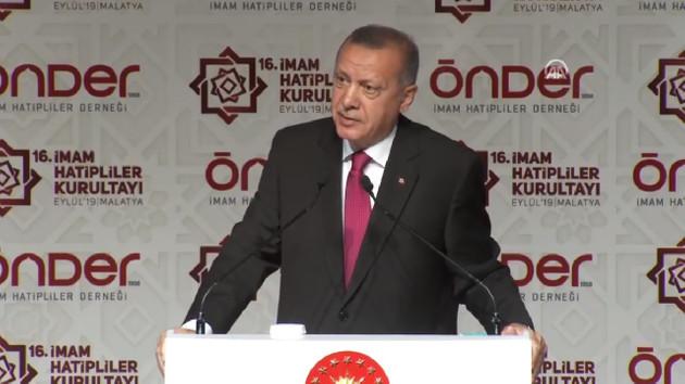 Erdoğan: İBB'de FETÖ taktikleriyle öğrencilere yurt sağlayan vakıflar hedef haline getiriliyor