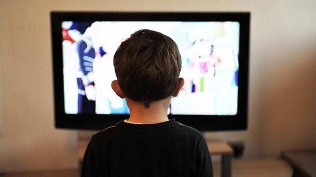 Çocuklar çizgi filmden çok dizi izliyor