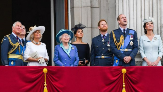 Kraliçe Elizabeth, Prens Harry ve eşi Meghan Markle ile anlaştı