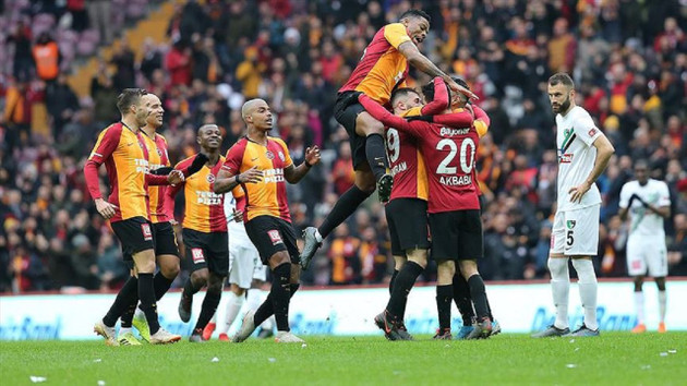 Galatasaray ikinci yarıya galibiyetle başladı