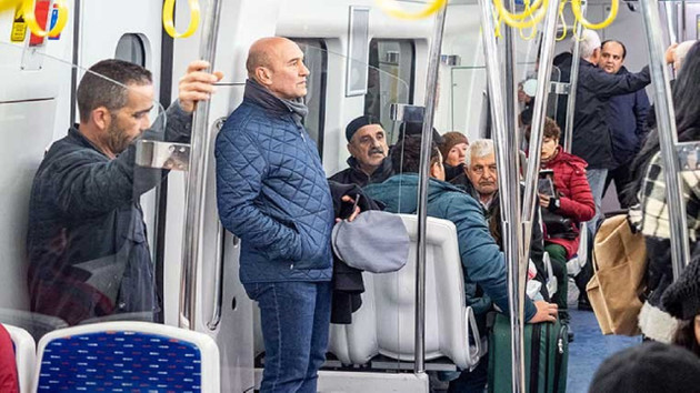 Tunç Soyer 2019'u toplu taşımayla uğurladı