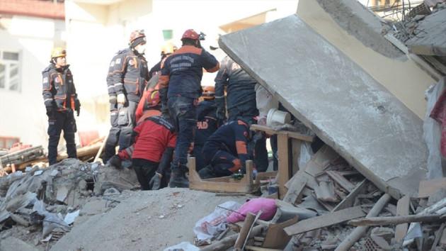 Depremde hayatını kaybedenlerin sayısı 35'e çıktı
