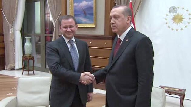 Sözcü yazarı: AA 15 Temmuz gecesi Erdoğan'ın açıklamasını neden yayınlayamadı?