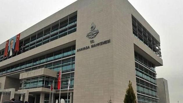 AYM'den tarihi karar: Saray soytarısı demek suç değil