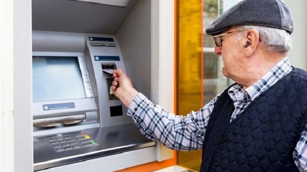 Emekliye promosyon yağmuru! Hangi banka ne veriyor?