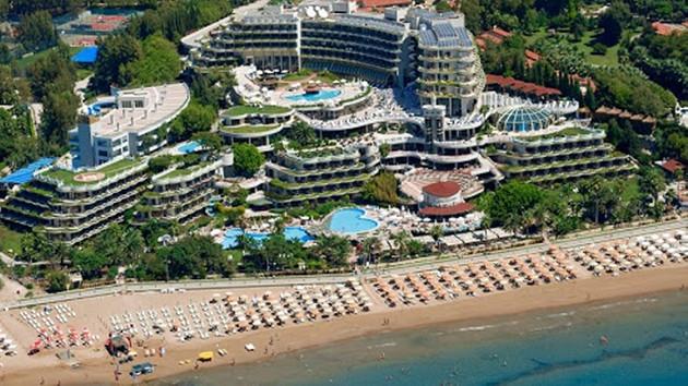 Milli Eğitim Bakanlığı personeli denize sıfır beş yıldızlı otelde çalıştay istedi