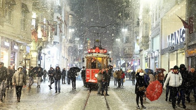 Meteoroloji İstanbul için kar yağışı uyarısı yapıp tarih verdi