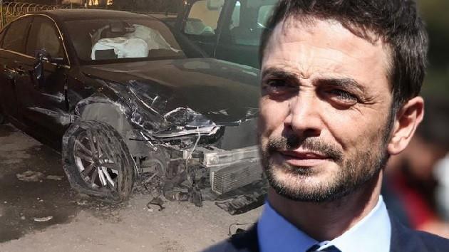 Ahmet Kural trafik kazası geçirdi!