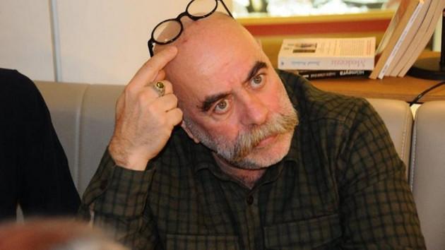 Ezel Akay hastaneye kaldırıldı haberlerine açıklık getirdi: Gazeteciliği bırak senarist ol