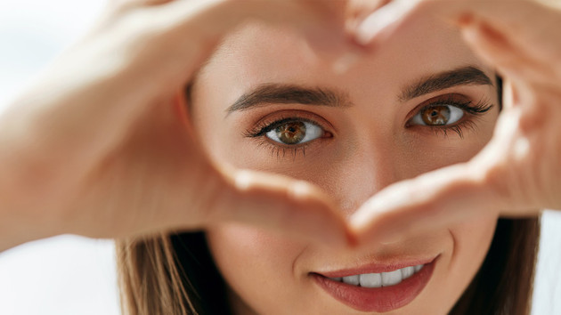 Bir Yudum Su Gözler İçin: Göz kapağı estetiği nedir?