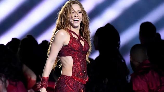 Shakira'dan Super Bowl'da zılgıt şov!
