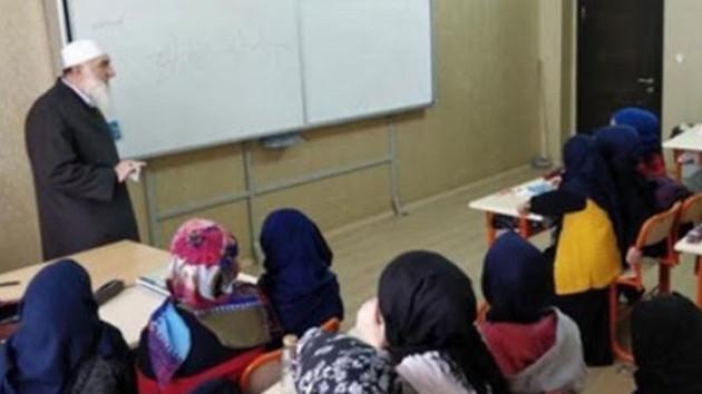 MEB izin verdi, Nakşibendi tarikatı kitabını okullarda dağıttı