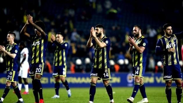 Fenerbahçeli ünlü futbolcuda koronavirüs çıktı