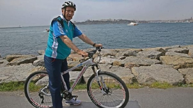 President Erdoğan pedals for Presidential Cycling Tour