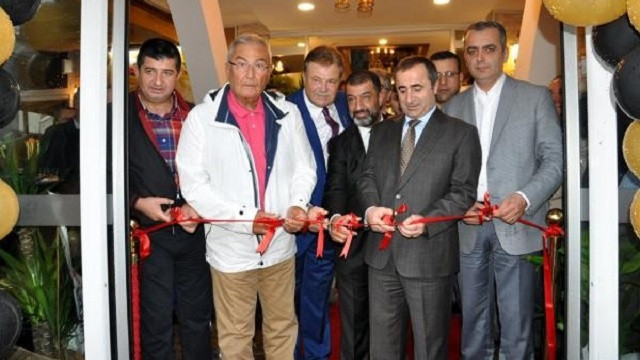 Deniz Baykal ve Nuri Alço et lokantası açılışında