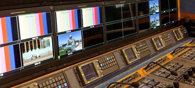 Türkiye'de yayın yapan kaç TV kanalı ve radyo var?