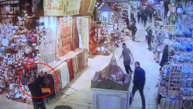 Mısır Çarşısı'nda silahlı dehşet kamerada