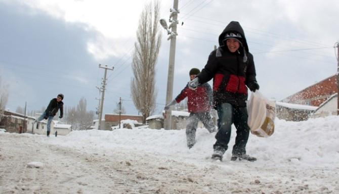 Doğu'da 4 ilde eğitime kar engeli