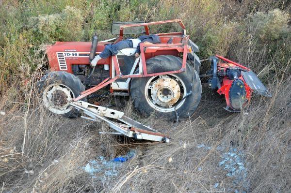 Emanet aldığı traktörün altında can verdi