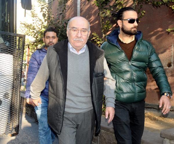 Cumhuriyet yazarı Aydın Engin gözaltına alındı