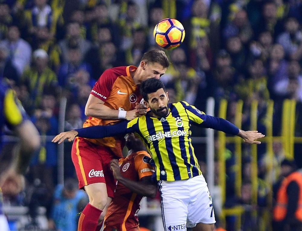 İlk yarıda tek gol var; FB 1-0 Galatasaray