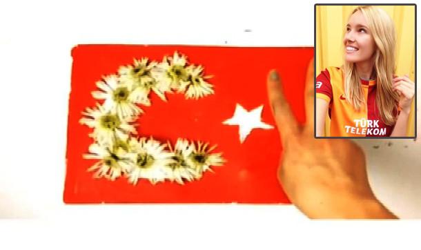 Galatasaray aşığı ABD'li modelden alkışlanan paylaşım