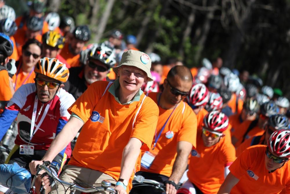 Bisiklet farkındalığı için Eymir Gölü çevresinde pedal çevirdiler