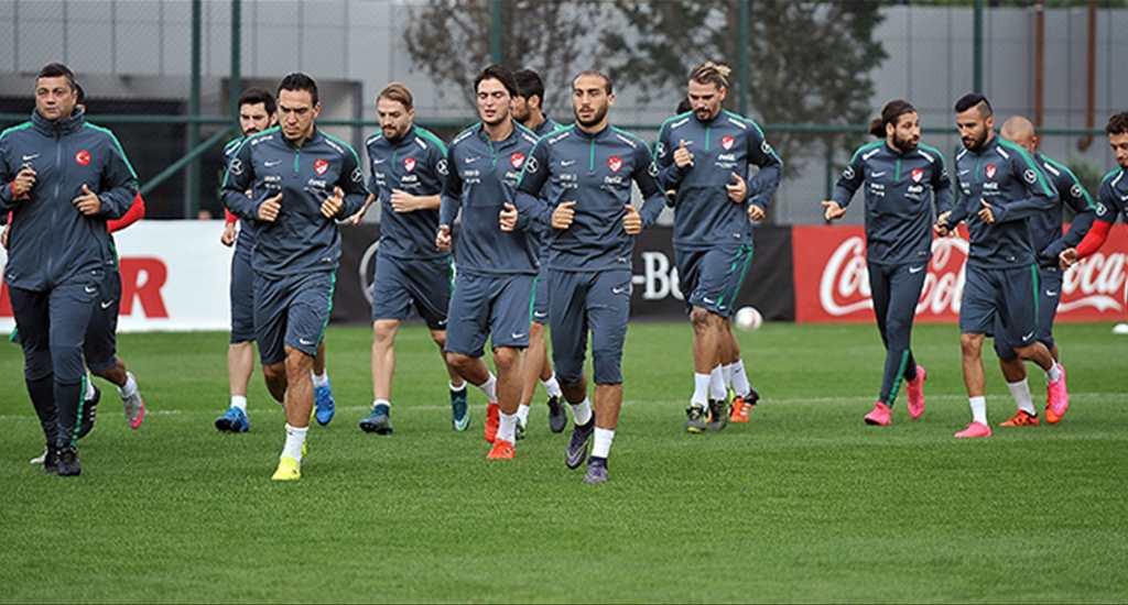 Milli takım, Çek Cumhuriyeti maçının hazırlıklarına başladı