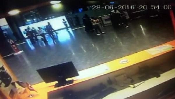 Atatürk Havalimanı'ndaki patlamadan hemen önce....