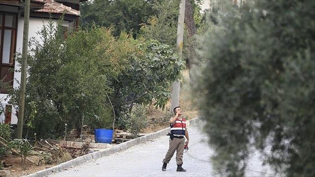 Firari darbeci askerler fırından silah zoruyla ekmek almış