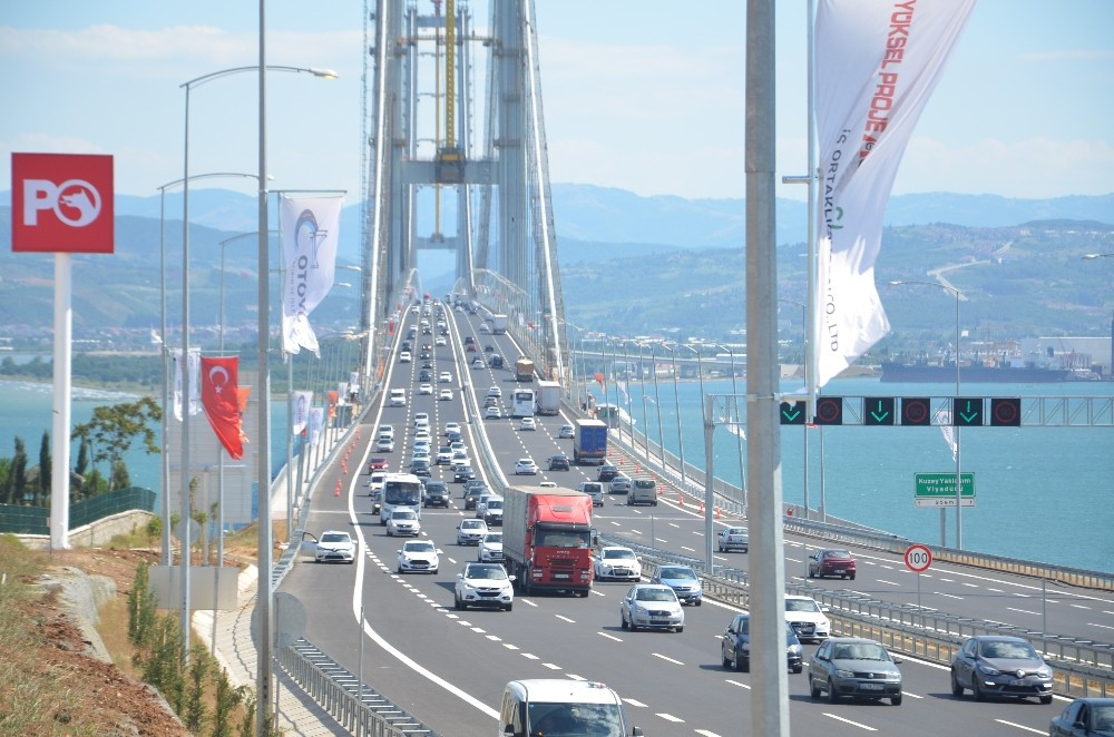 Osmangazi Köprüsü'nde dönüş yoğunluğu