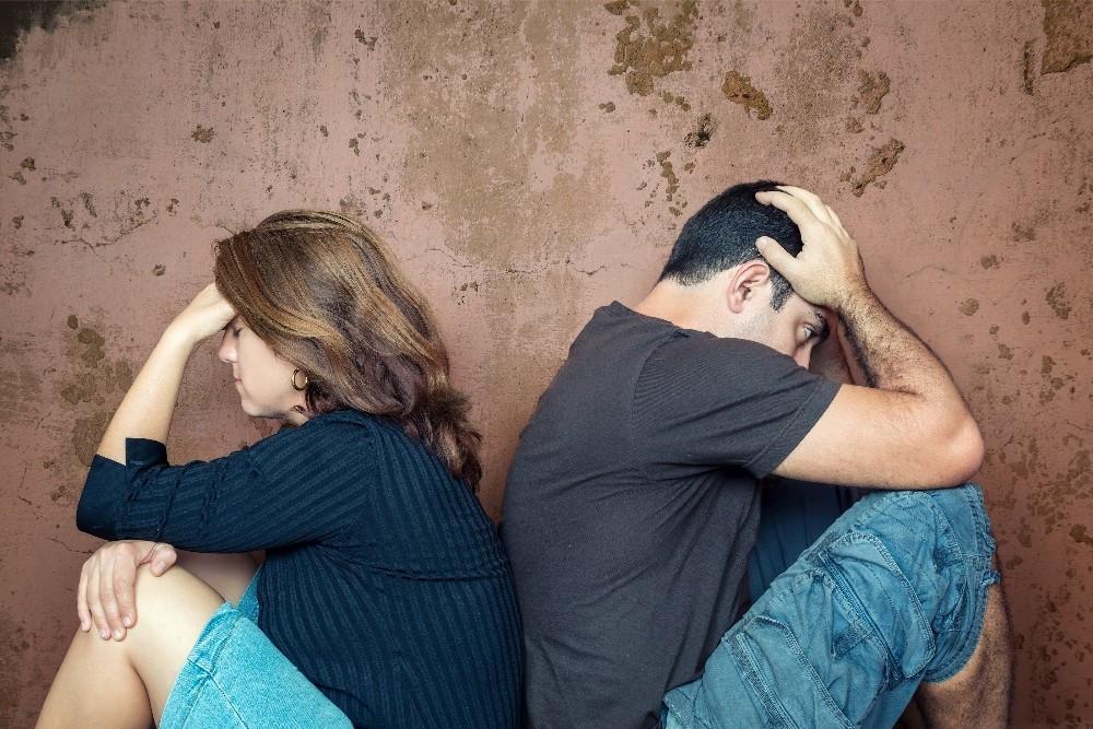 Aldatılan erkek ve kadın nasıl hisseder ?