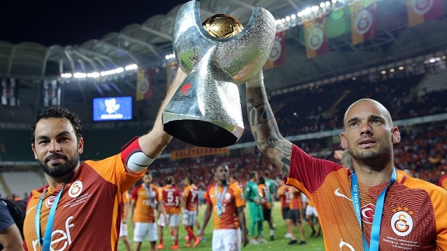 Galatasaray'dan Fenerbahçe ve Beşiktaş'a gönderme!