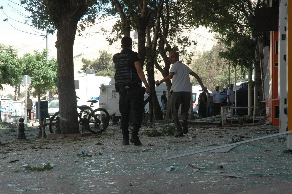 Van'daki patlamada 2'si polis 48 yaralı var