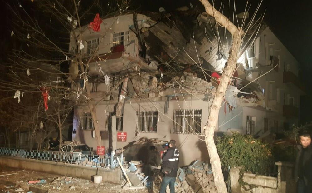 Ankara'da doğalgaz patlaması: 3 yaralı