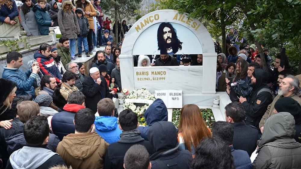 Barış Manço vefatının 18. yılında anıldı