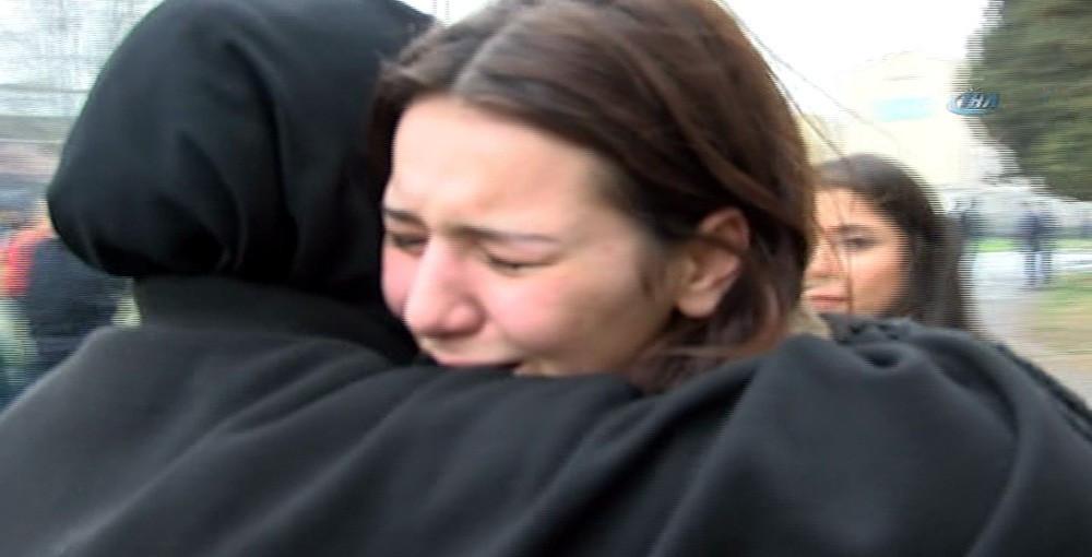 YGS'ye alınmayan öğrenci gözyaşlarına boğuldu
