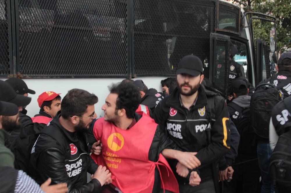 Beşiktaş'tan Taksim'e çıkmak isteyen gruba müdahale