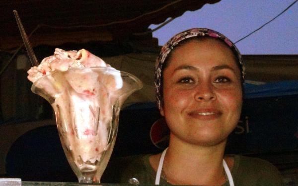 Ünlülerin modacısından tavada dürüm dondurma tarifi