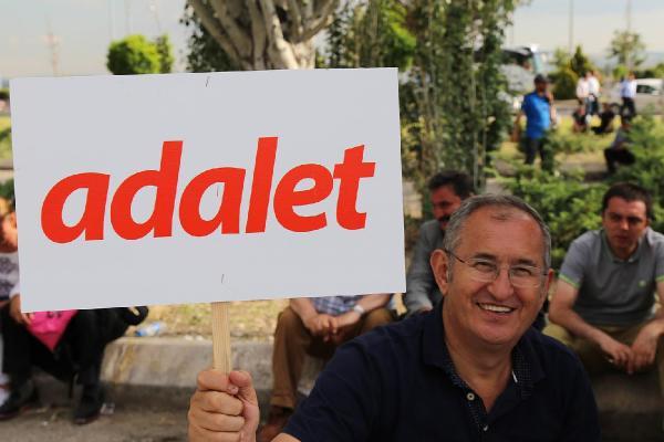 CHP'li Atilla Sertel'den Numan Kurtulmuş'a: TRT Adalet Mitingini neden yayınlamadı?