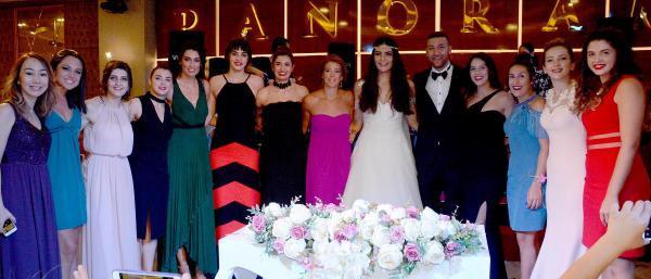 Fenerbahçeli basketçi Esra evlendi