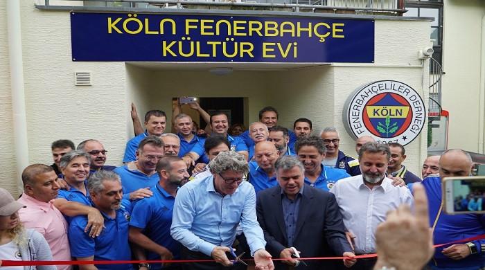 Fenerbahçe'nin efsaneleri Köln'de bir araya geldi