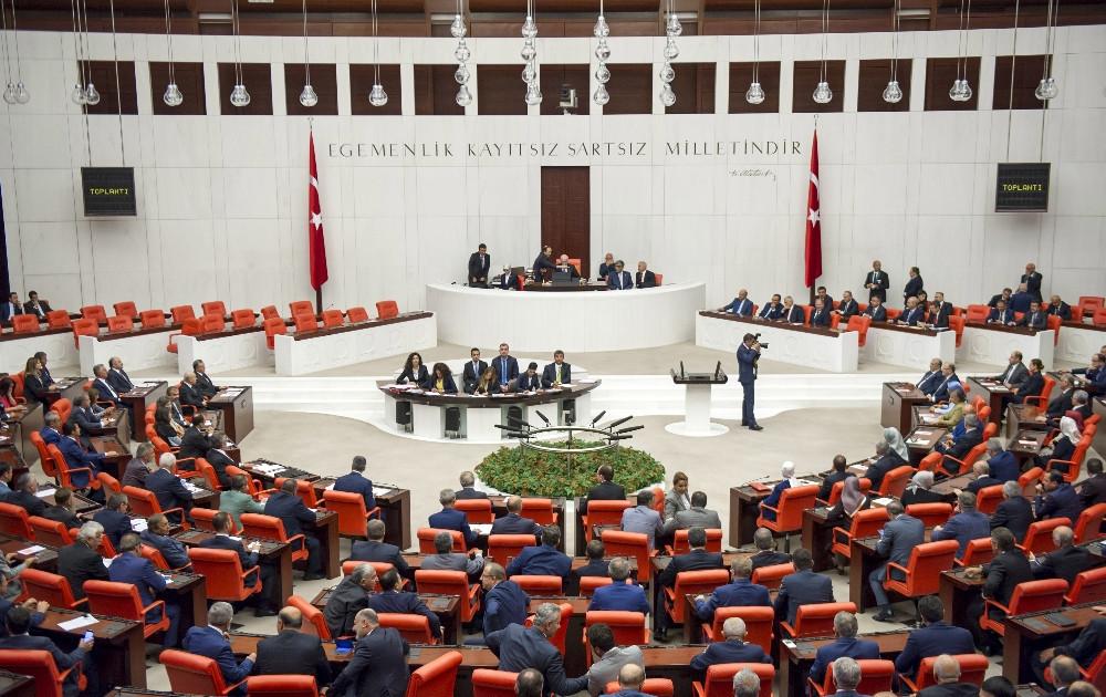 Meclis'te CHP ve AKP'li vekiller arasında eşek fıkrası polemiği