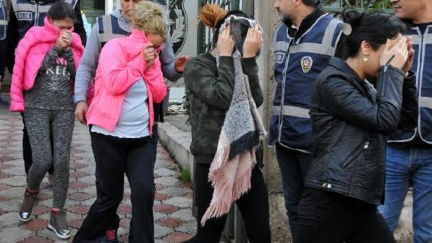 Antalya'da fuhuş çetesi çökertildi