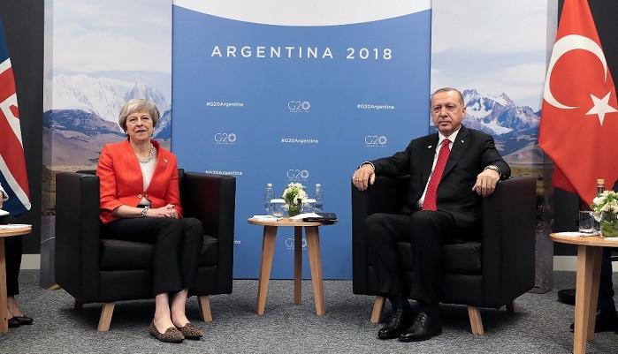 Erdoğan, İngiltere Başbakanı May'le bir araya geldi