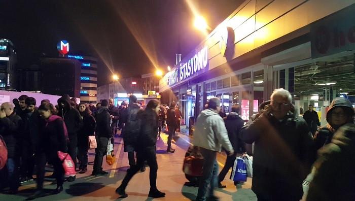 İntihar nedeniyle aksayan metro seferleri normale döndü