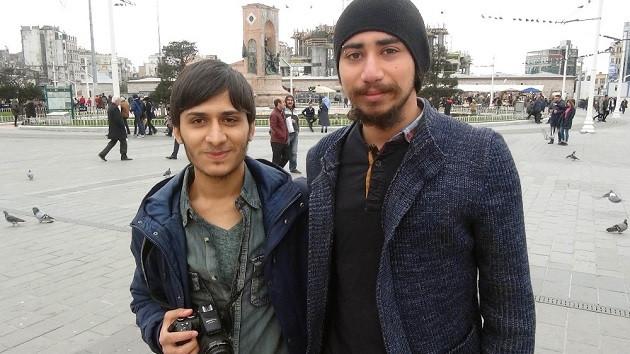 Taksim Meydanı'nda psikoloji öğrencilerinden ilginç sosyal deney