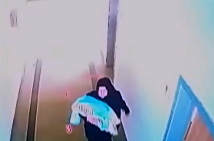 Bebekleri kaçıran Suriyeli kadın kameraya yakalandı