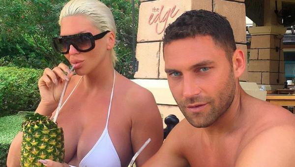 Tosic ve Jelena Karleusa yengenin Antalya kaçamağı